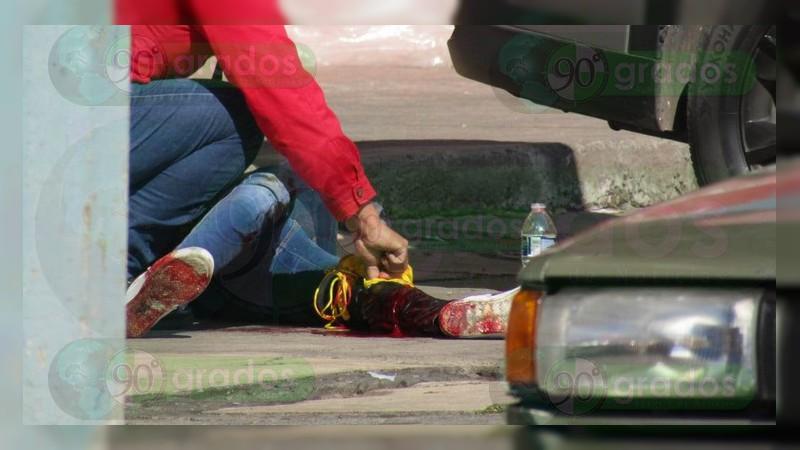 Balacera en una tienda de Zamora deja una mujer herida y tres detenidos