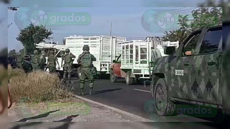 Se registran enfrentamiento y bloqueos carreteros en Buenavista y Apatzingán
