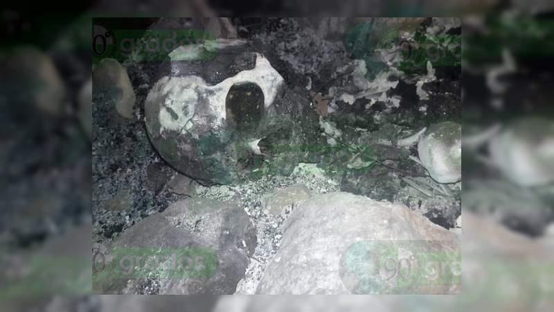 Localizan dos cadáveres calcinados en Apatzingán