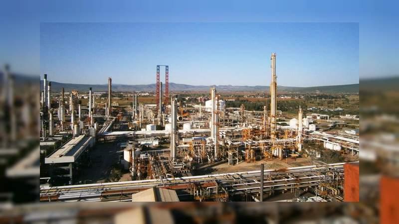 Ejército asume labores de seguridad en refinería de Guanajuato
