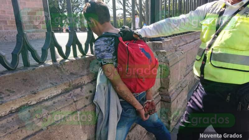 Lo detienen tras robarse bici en Plaza de Armas, en Morelia, Michoacán