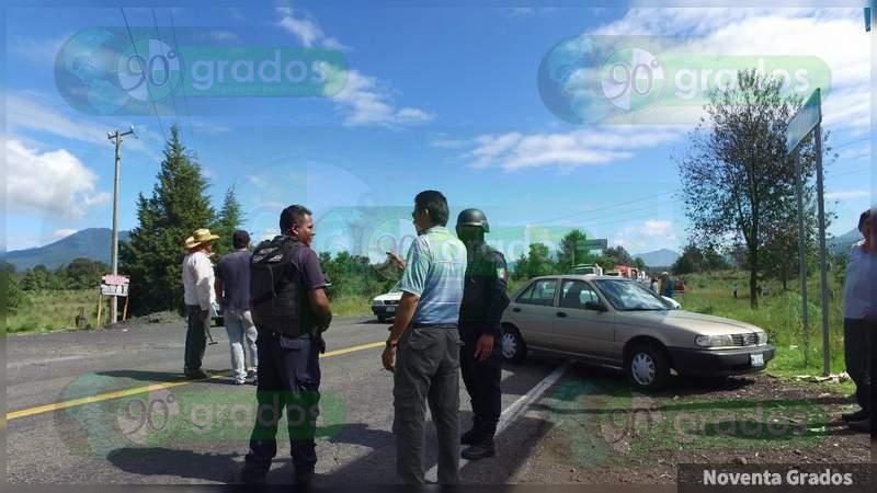 Ejecutan a dos sujetos armados en auto en Acapulco, Guerrero