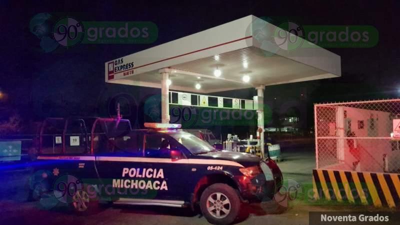 Tirotean en asalto a empleado gasero en Lázaro Cárdenas, Michoacán