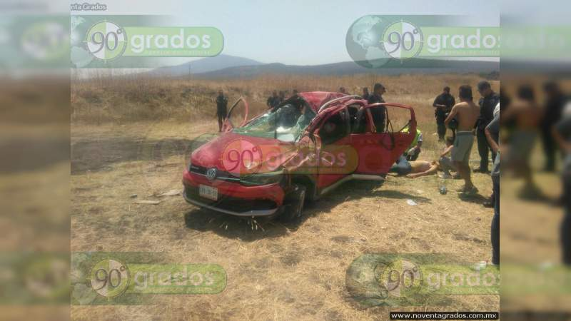 Muere al volcar en su camioneta sobre la carretera Juventino Rosas - Guanajuato