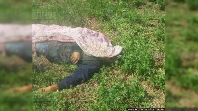 Dejan cuerpo baleado en terracería cerca de relleno sanitario en Celaya, Guanajuato