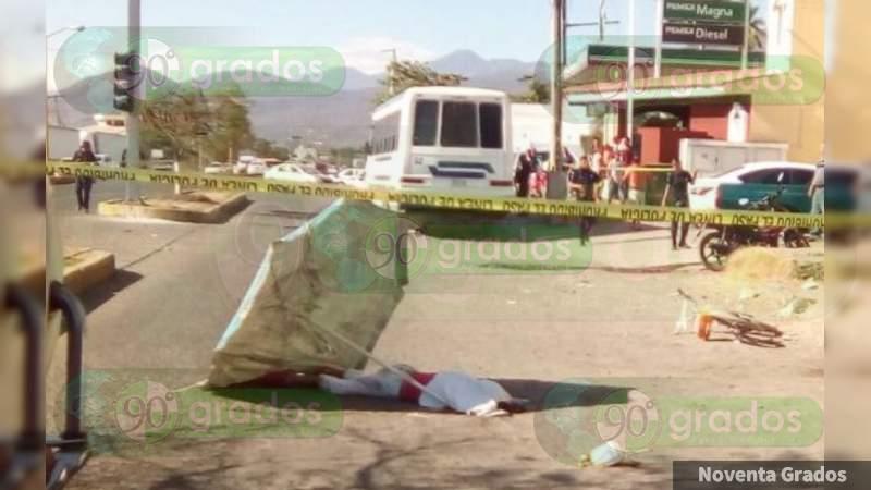 Muere abuelita atropellada por retroexcavadora en Veracruz