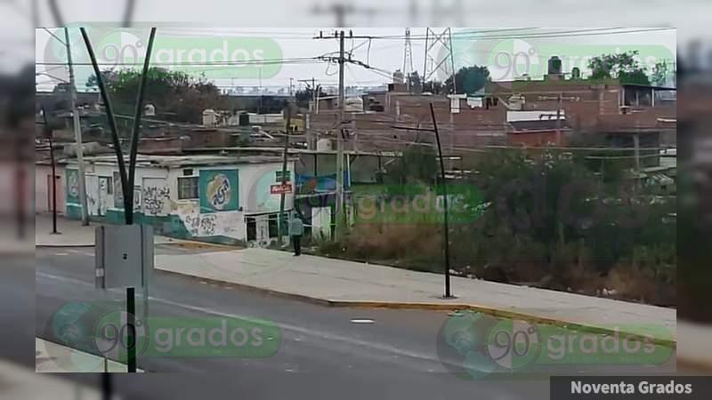 Guanajuato: Asegura Policía Federal bodega con vehículos robados en Salamanca; hay dos detenidos