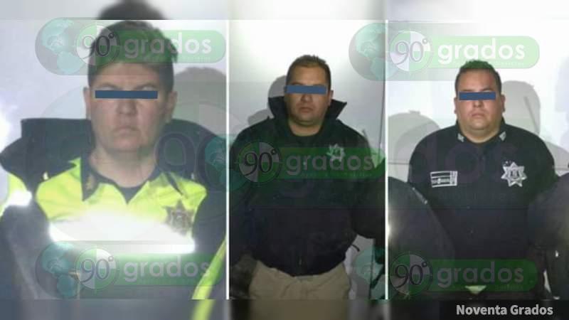 Detienen a cinco policías huachicoleros en el Estado de México