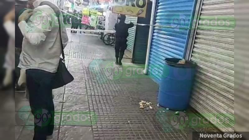 Lo asesinan entre locales de Mercado en Celaya, Guanajuato