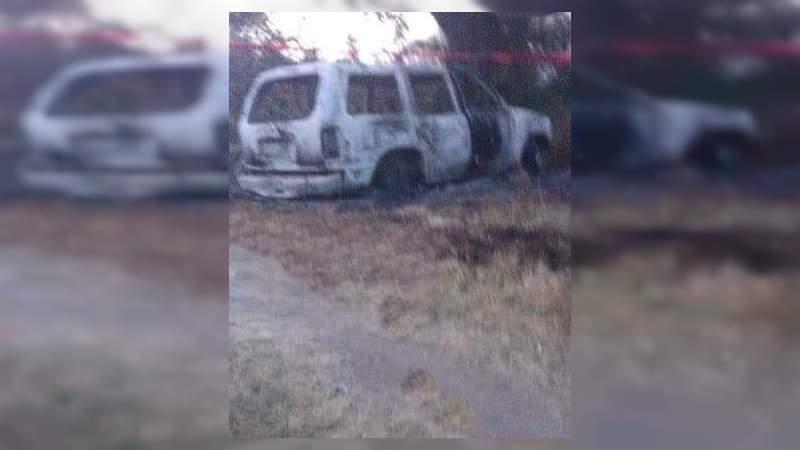 Dejan cuerpo calcinado en camioneta en Tochtepec, Puebla