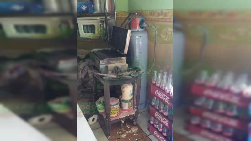 A punto de incendiarse negocio de tortas en Apatzingán