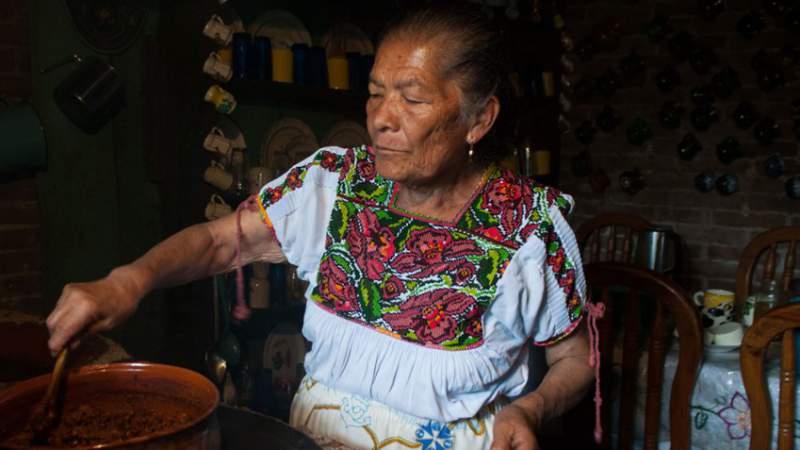 Cocineras Tradicionales, detonante del turismo gastronómico en Michoacán
