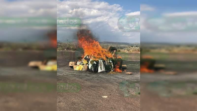 Incineran media tonelada de drogas en Morelia