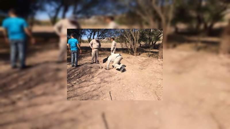 """""""Y sigue la mata dando"""", hallan tres tomas clandestinas en Cuitzeo, Michoacán"""