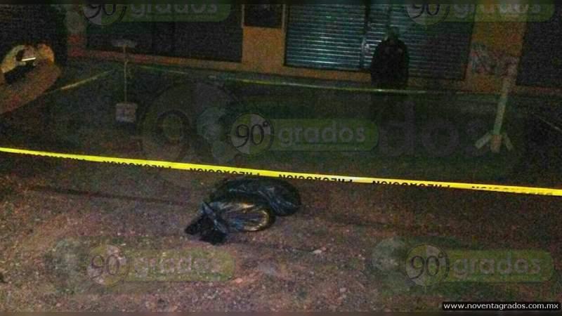 Dejan cuerpo desmembrado junto a la carretera en Eduardo Neri, Guerrero
