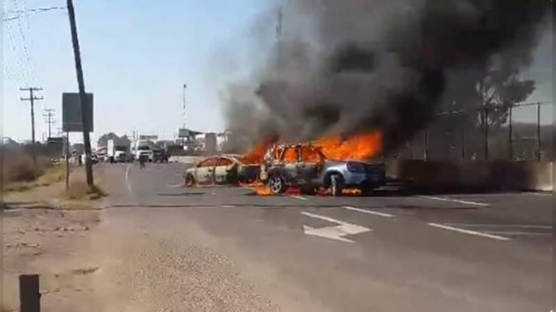 Tras bloqueos y quemas en Guanajuato aseguran 37 vehículos