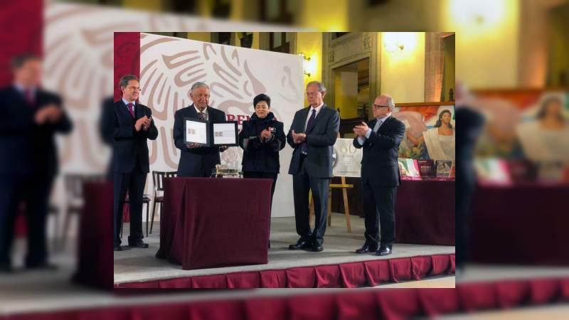 Conmemoran 60 años de los libros de texto gratuitos en México