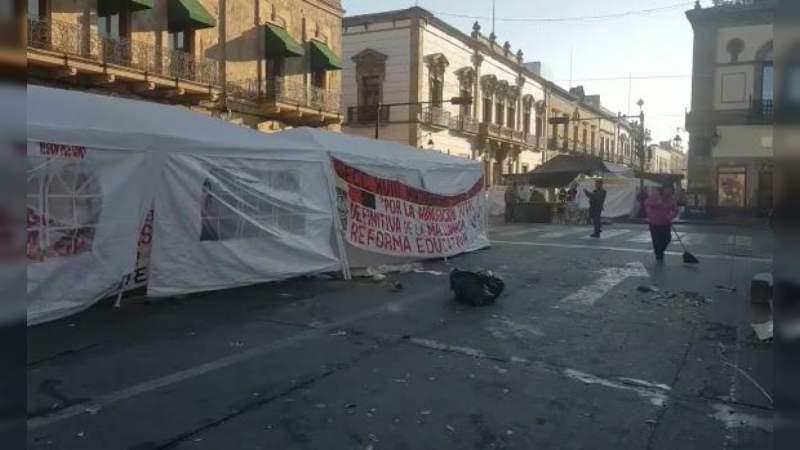 CNTE retira plantón del Centro Histórico de Morelia