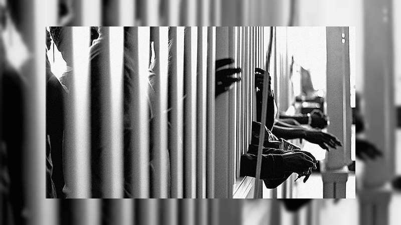 Riña entre reos deja un muerto en penal de alto impacto de Morelia