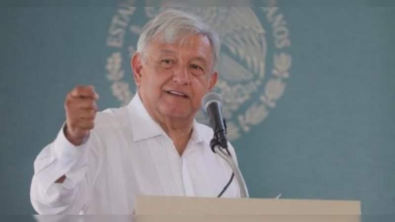 Anuncia López Obrador obras carreteras, siembra de árboles y adecuación de Universidad en Durango