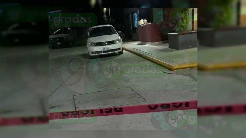 Asesinan a un hombre en una gasolinera de Apatzingán