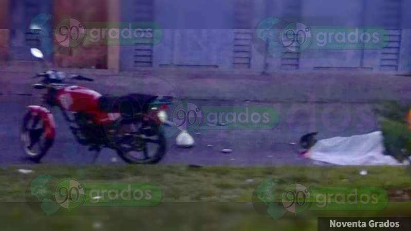 Atropellan a pareja de motociclistas en Zamora, la mujer muere