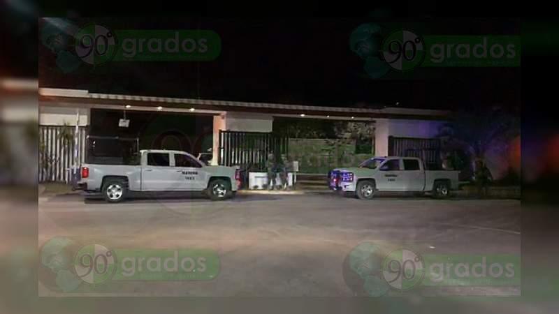 Marinos realizan operativo en exclusivo fraccionamiento de Celaya, Guanajuato