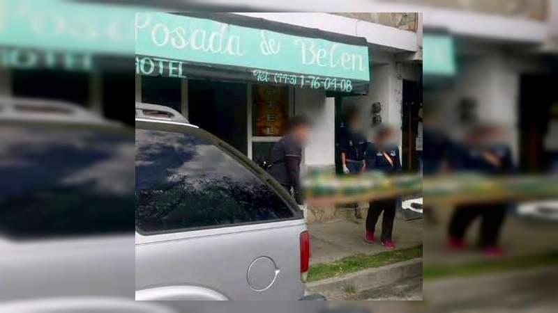 Hallan a joven muerto en un hotel de Morelia, Michoacán