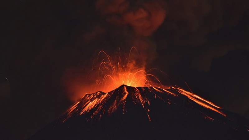 Popocatépetl registra una de sus explosiones más fuertes de los últimos años