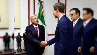 Yerno de Trump y AMLO se reúnen en casa del Vicepresidente de Televisa; tratan asuntos económicos