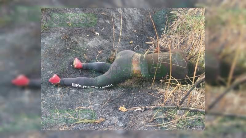 En un camino de terracería hallan el cuerpo de una mujer en Celaya, Guanajuato