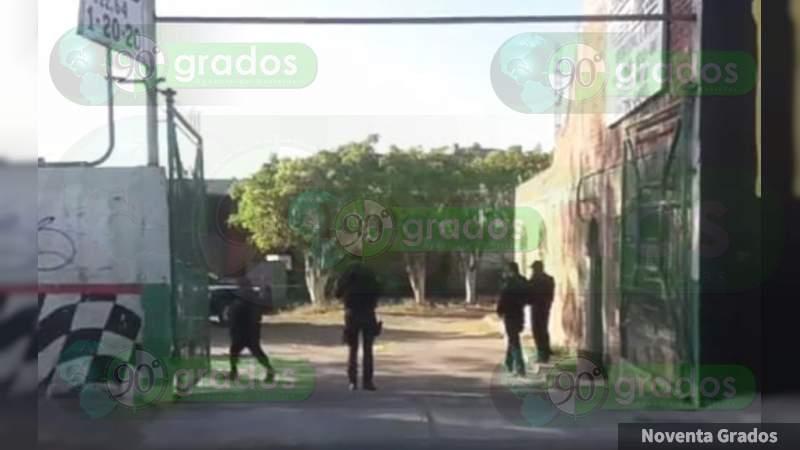 Balean y matan a dos en taller mecánico en Salamanca, Guanajuato