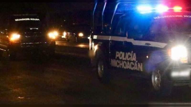 Fuerte movilización policiaca en Apatzingán y Lombardía por convoyes de civiles armados