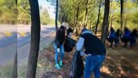 Emprende Mayela Salas limpieza de carreteras en Michoacán