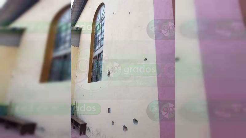 Tirotean parroquia y casa de sacerdote en una comunidad de Apatzingán