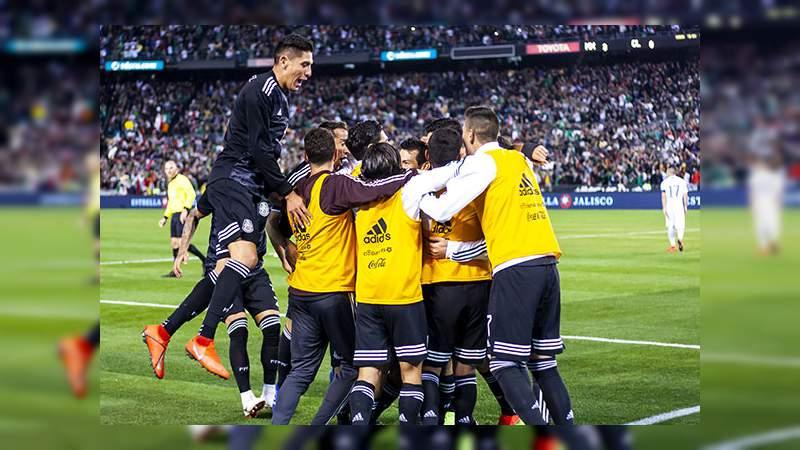 A poco de iniciar el partido México-Paraguay en Santa Clara, California