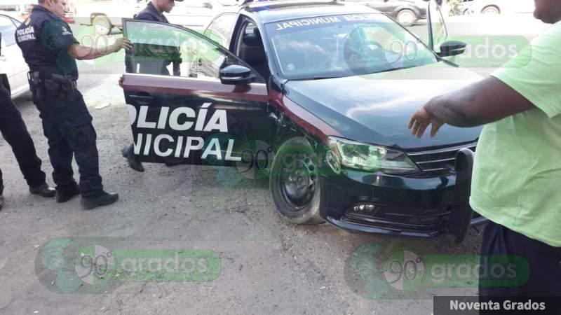 Mueren dos policías y siete personas heridas en choque de patrulla en León, Guanajuato