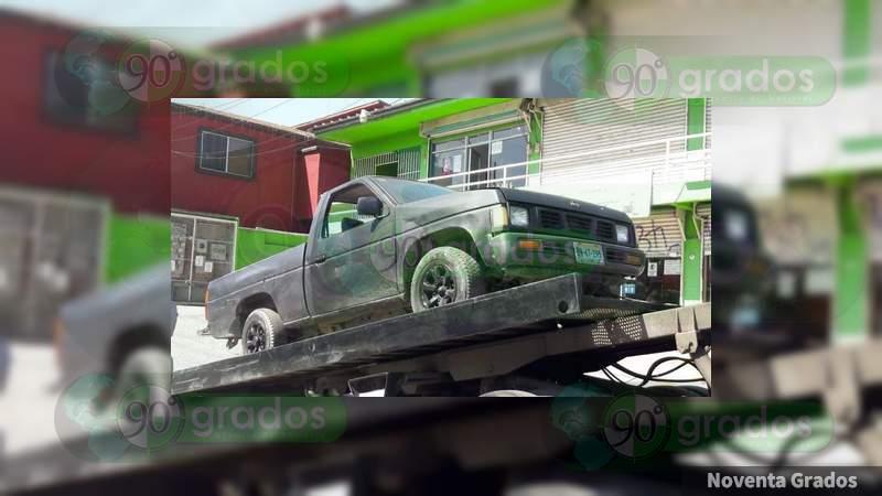 Encobijado en la caja de camioneta, hallan cuerpo en Tijuana, Baja California