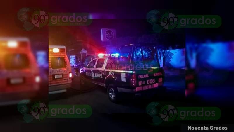 Asesinan a un hombre en un bar en Moroleón