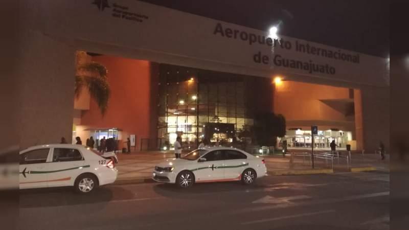 Comando realiza atraco en pista de aeropuerto de Guanajuato