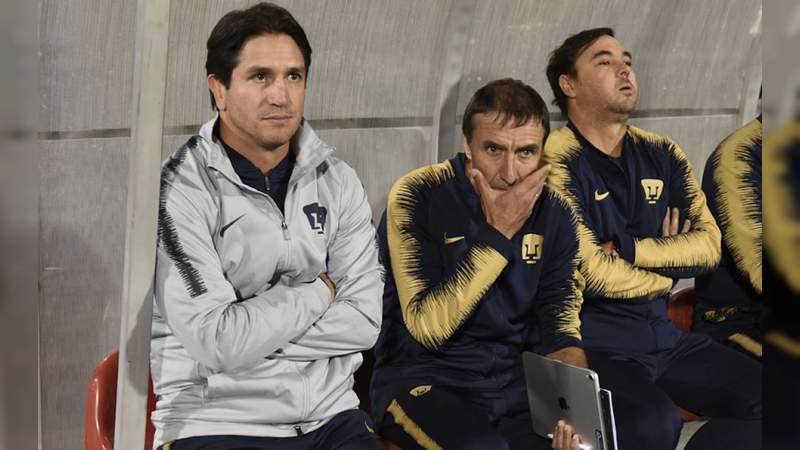 DT de Pumas se disculpa por agarrarse a golpes con un aficionado