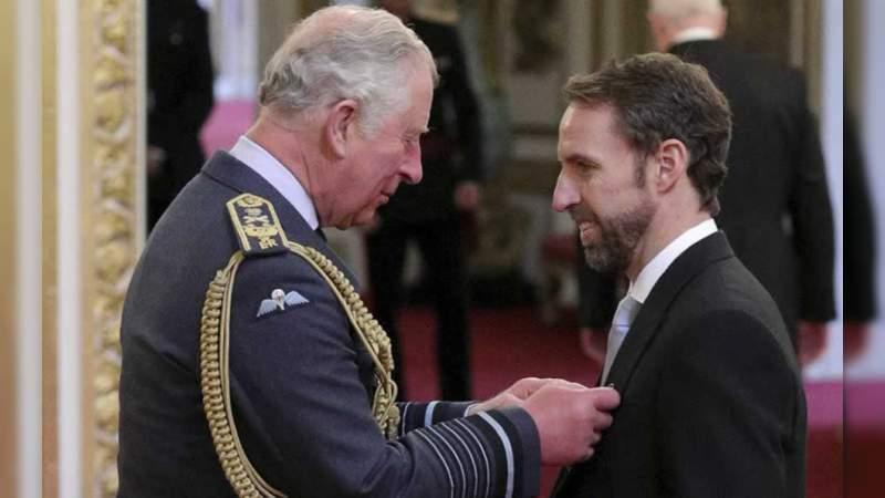 DT de Inglaterra recibe el título de la Orden del Imperio Británico
