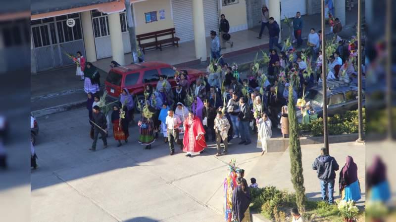 Misticismo y tradición en Domingo de Ramos en San Lorenzo