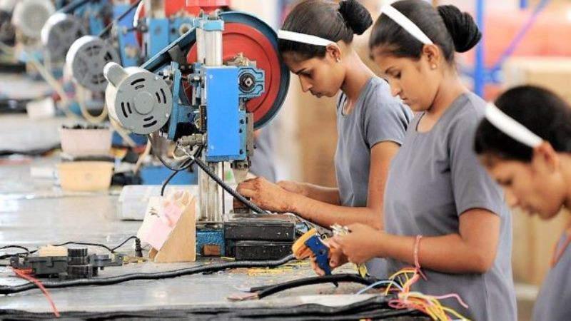 Presume AMLO creación histórica de empleo, pero el IMSS reporta 100 mil trabajadores menos