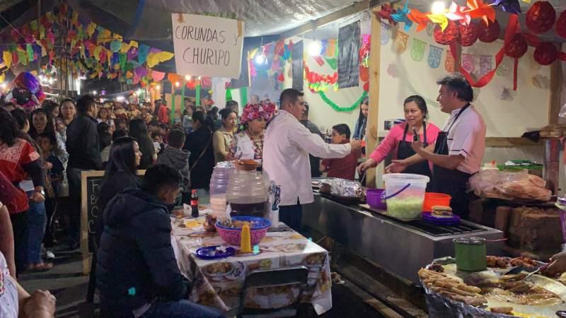 Cierran con éxito la XXX feria del geranio en Tingambato
