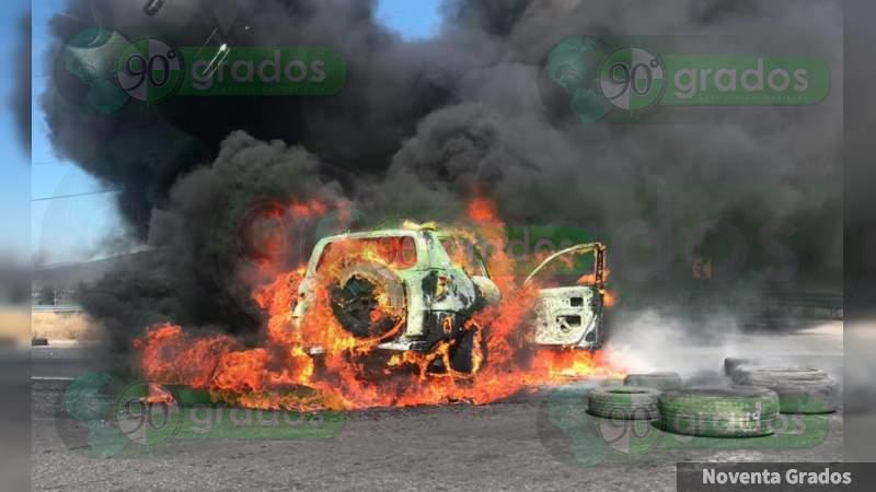Se registran narcobloqueos en Guanajuato tras persecuciones y balaceras