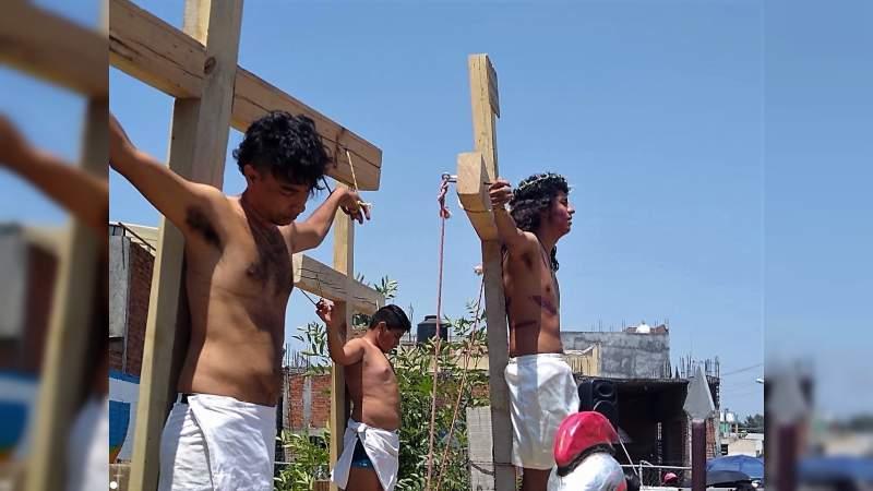 Fiel representación del martirio y la crucifixión de Jesús en Praderas de Morelia