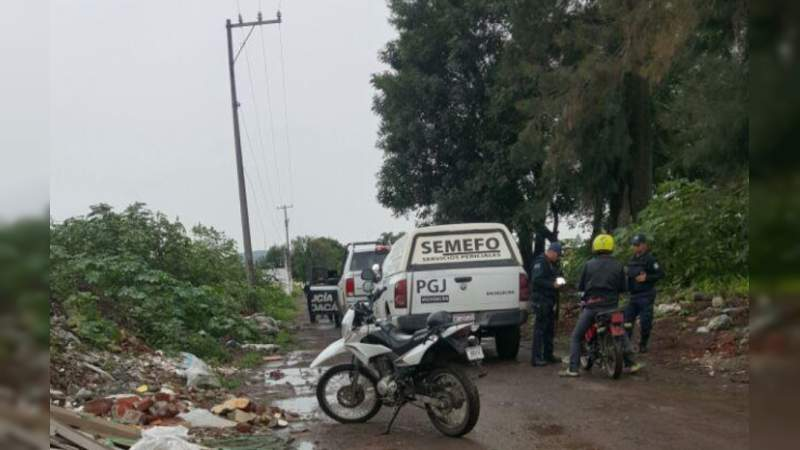 Muere al volcarse y caerle su tractor encima en Yuriria, Guanajuato