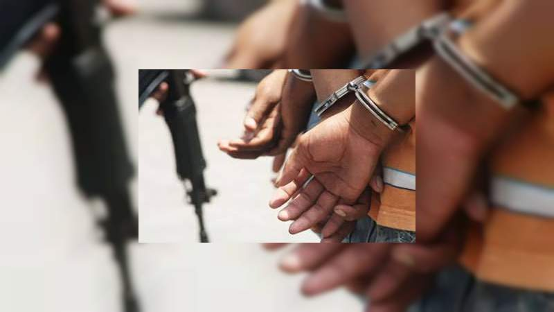 Detienen a dos presuntos homicidas en Zamora, Michoacán