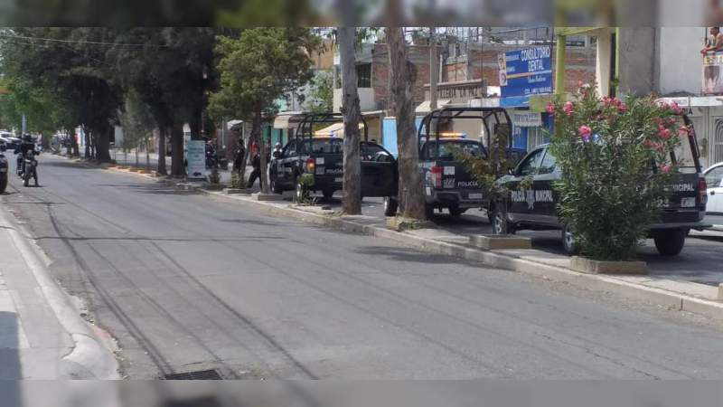Detienen a tres sujetos que agredieron a policías en Morelia, Michoacán